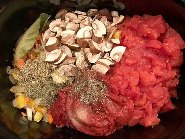 pasta-sauce-ingredients-in-slow-cooker